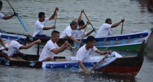 lomba dayung festival pasar terapung banjarmasin kalimantan selatan