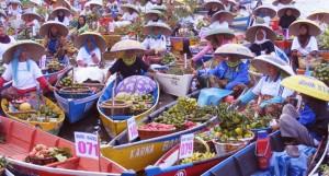 peserta festival pasar terapung banjarmasin kalimantan selatan
