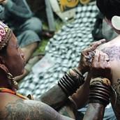 tato dayak kalimantan indonesia