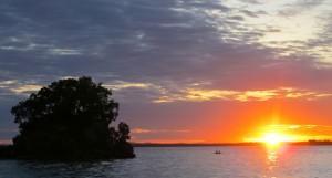 sunset pantai melawai balikpapan kalimantan