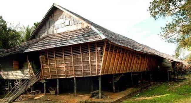 Rumah Betang Suku Dayak Kalimantan Get Borneo